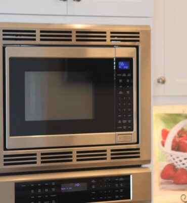 Are Microwaves Safe? Do Microwaves Destroy Nutrients?