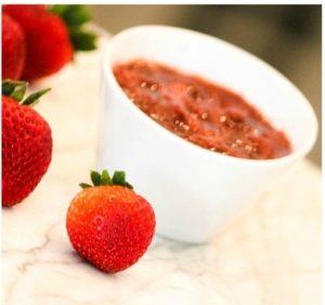 Clean Cuisine Fresh Strawberry Sauce