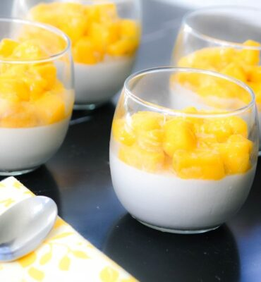 Italian Style Easy Custard Recipe: Panna Cotta with Mango