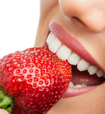 Dentist Reveals Surprising Ways to Whiten Teeth with 6 Foods