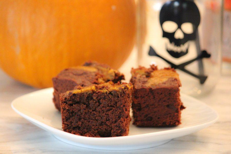 Halloween dessert for Wheat free brownie cake with pumpkin swirl