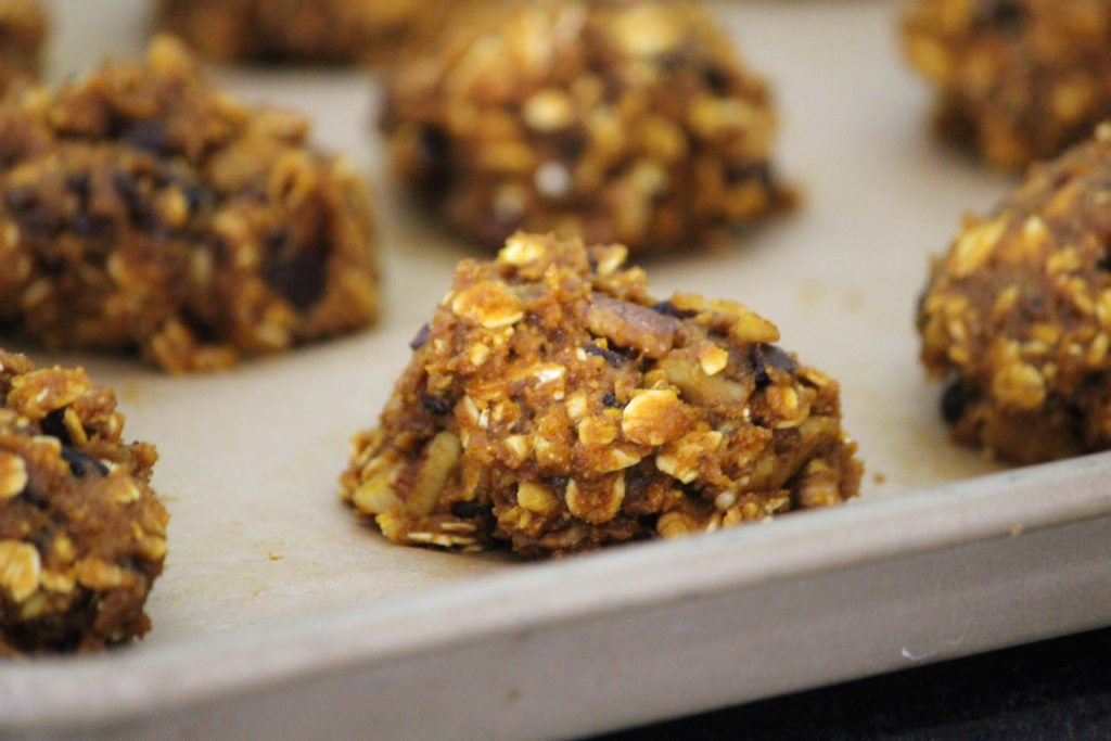 How to Make Clean Chocolate Chip Oatmeal Cookies