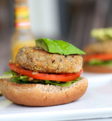 Recipe for Quinoa Burger (The Easiest Ever!)