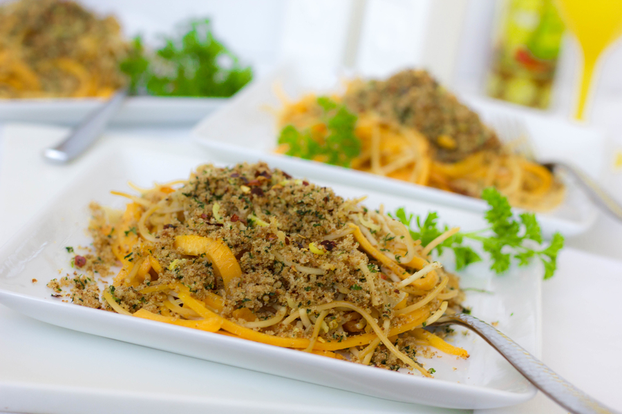 healthy spaghetti with breadcrumbs
